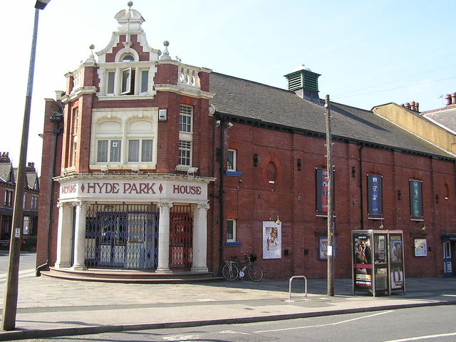 The Hyde Park Picture House Leeds in June 2005
