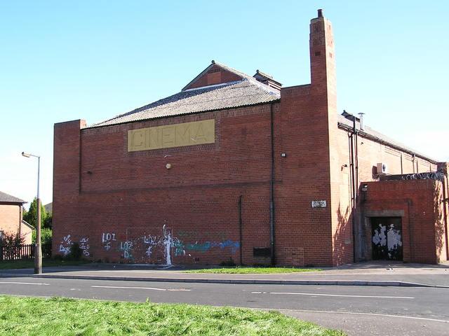 The rear of the Tivoli, Middleton, Leeds in June 2005