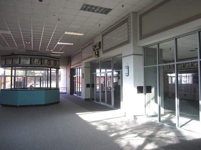 Regal Fox 12 Cinemas