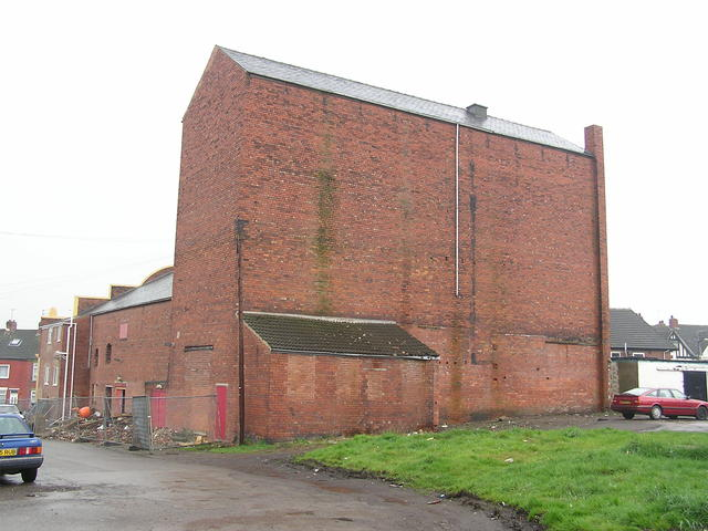 The Empire South Elmsall in April 2004