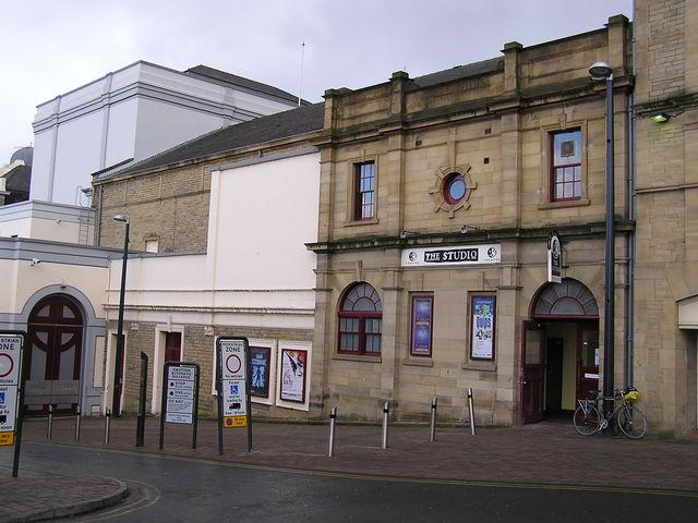 The Great Horton Road façade in February 2006