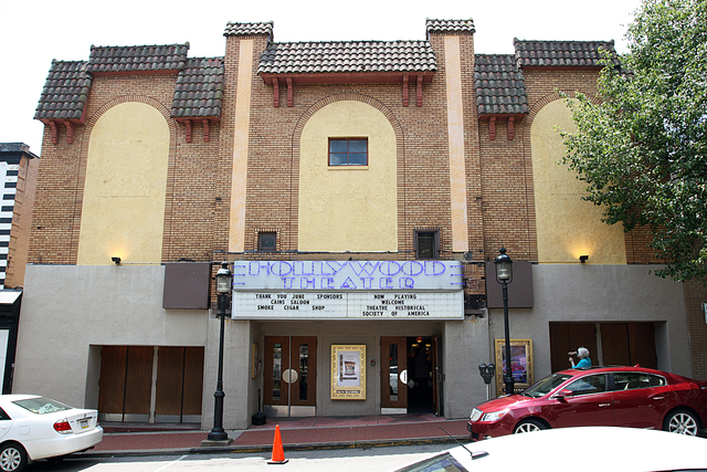 Hollywood Theatre, Dormant, PA