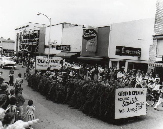 Roseburg oregon movie theater