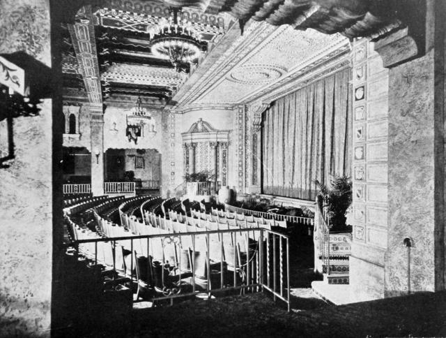 Plaza 1929 - Proscenium viewed from Lounge