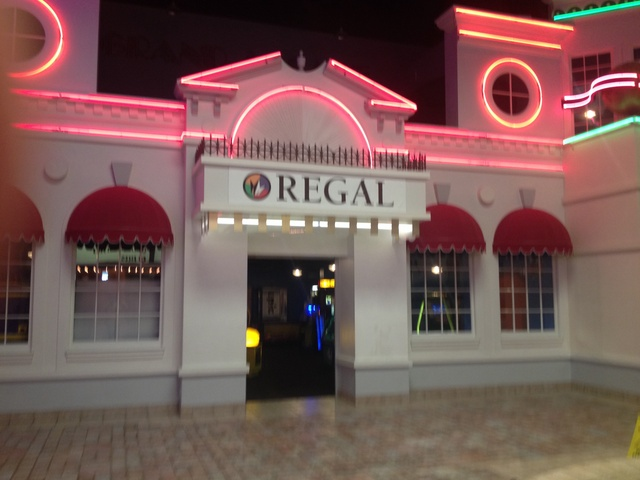 Regal West Town Stadium 9