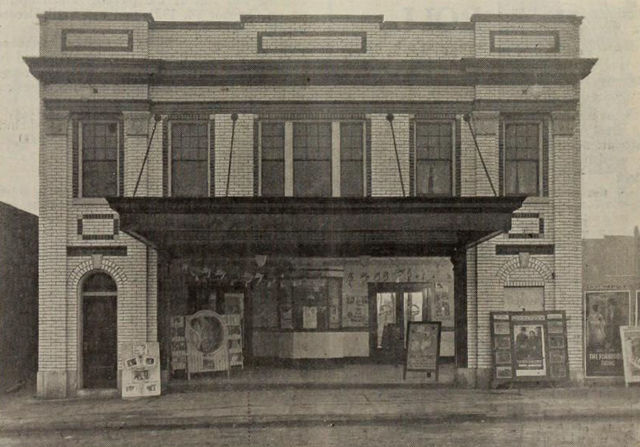 Pert Theatre, Gillespie, IL, 1922