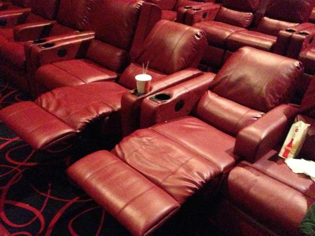 AMC Levittown 10 Theatre