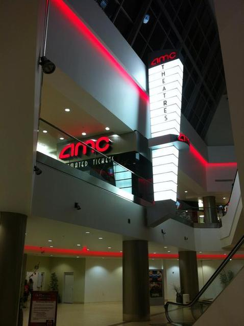 AMC Cupertino Square 16