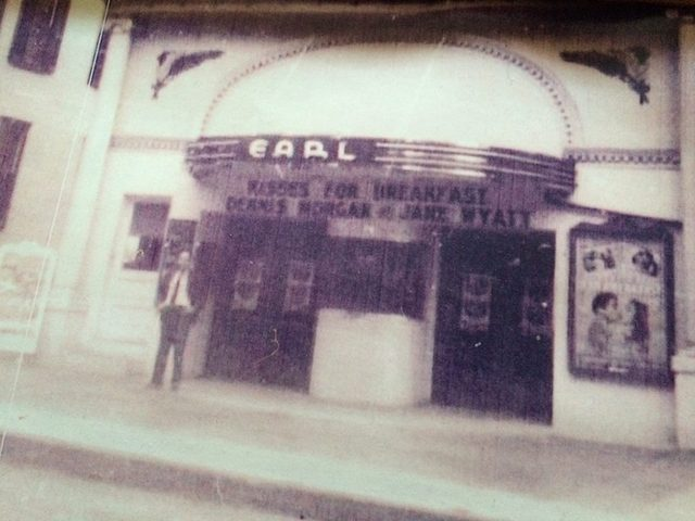 The Earl Theater, New Oxford, PA