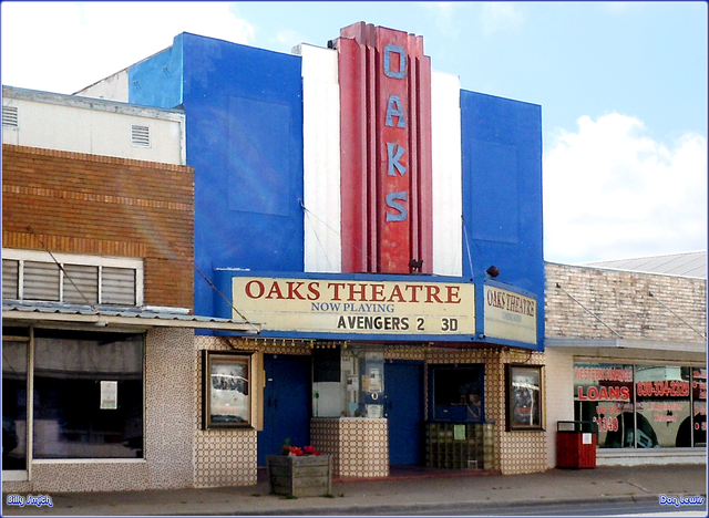 Oaks Theater ... Pearsall Texas