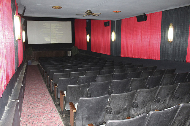 Iowa Theatre Winterset Screen