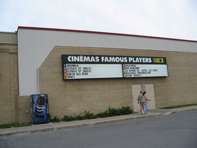 Cinéma Famous Player Carrefour Angrignon