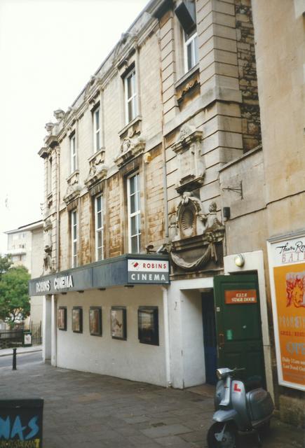 Egg Theatre