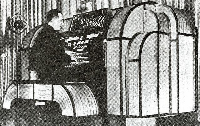 Astoria Compton console
