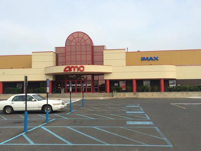 AMC Monmouth Mall 15