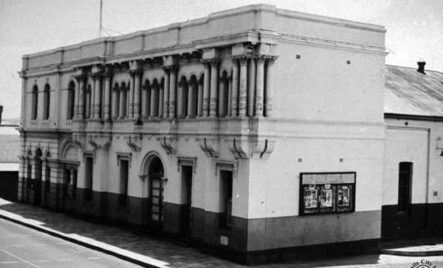 North Fremantle Town Hall