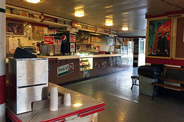Route 34 Drive-In, Earlville, IL - concession stand