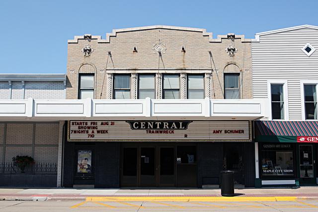 central theatre geneseo il cinema treasures