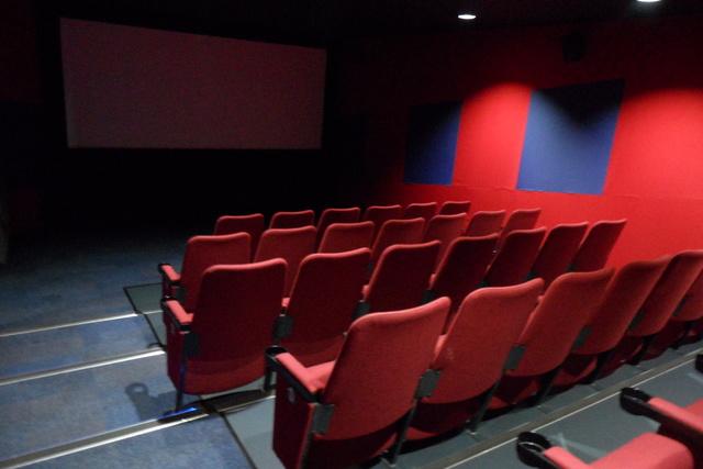 welwyn garden city cinema odeon hatfield 2019 01 28. Black Bedroom Furniture Sets. Home Design Ideas