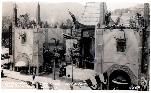 POSTCARD OF GRAUMAN'S CHINESE THEATRE