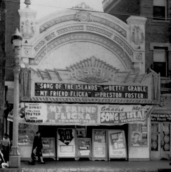 Rosebud Theatre