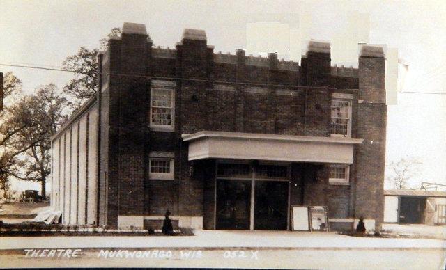 MUKWONAGO Theatre.