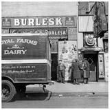 1943 photo as the Globe Burlesk courtesy of Ricky Pushkin.