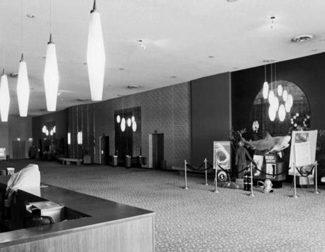 Windsor Cinerama Theater