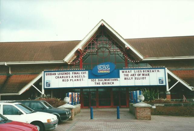 Cineworld Cinema - Swindon Shaw Ridge