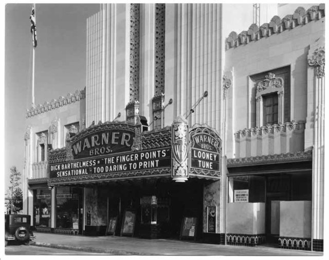 "Warner Beverly Hills Theatre ""The Finger Points"" engagement"
