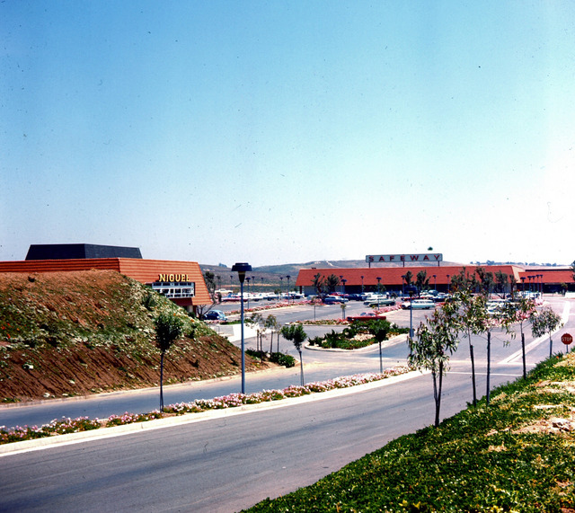 Niguel Theatre at Monarch Bay Plaza, Dana Point, 1966
