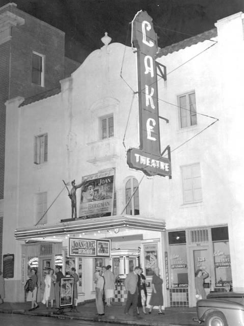 Movie theaters shawnee ks