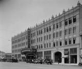 Warner Hollywood Theatre exterior