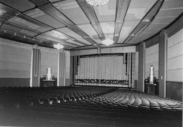 United Artists Theatre in Long Beach auditorium