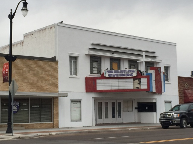 Showplace Theatre - Hugoton KS 2016-01-20