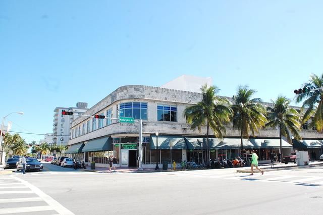 Plaza Art Theatre