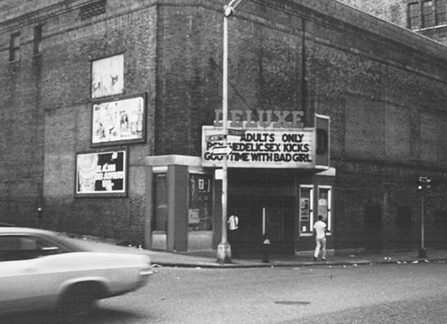 De Luxe Theatre