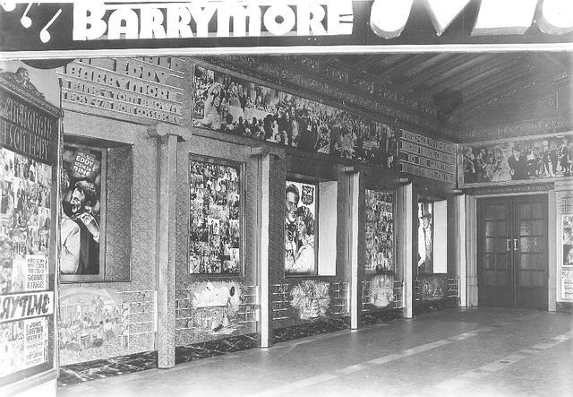 Paramount Theatre San Francisco exterior displays