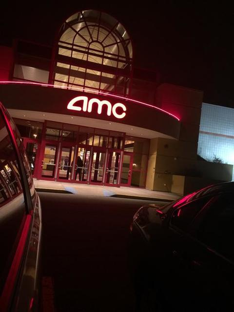Been to AMC Star Grand Rapids 18? Share your experiences!