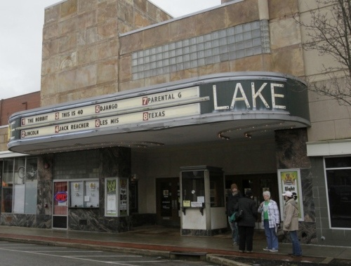 Lake 8 Movies Theatre