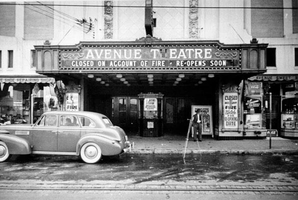 avenue Theatre slikkede