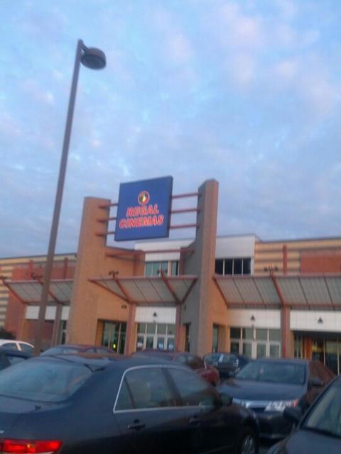 Regal Harrisburg Stadium 14