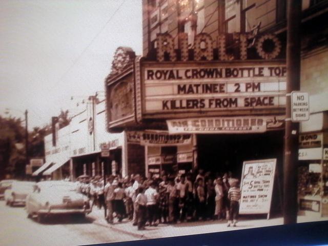 New Rialto Theatre