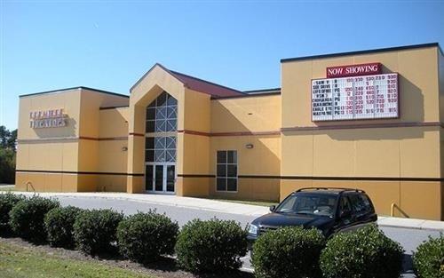 Premiere Theatre 7