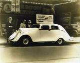 Clearer copy of the 1933 P/A equipped car pic.