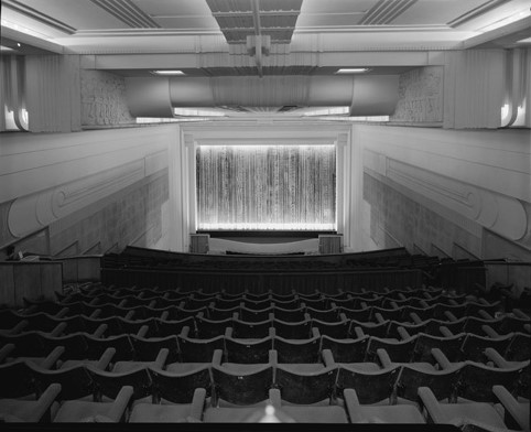 Piccadilly interior looking to screen