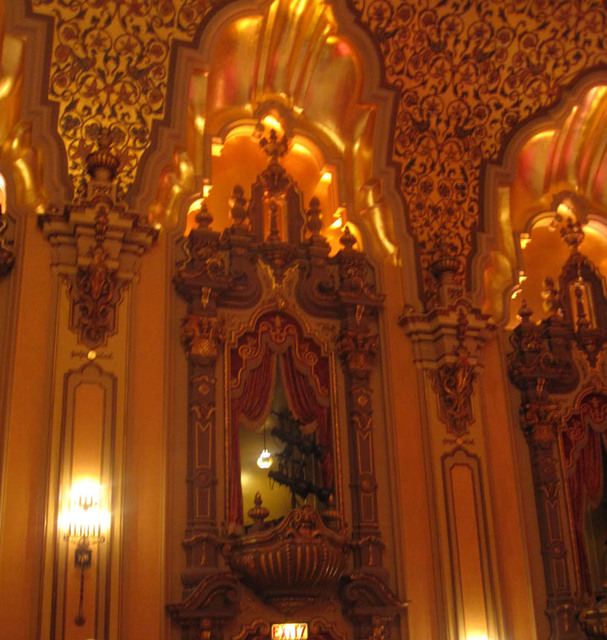 Ohio theatre (Columbus) - auditorium sidewall