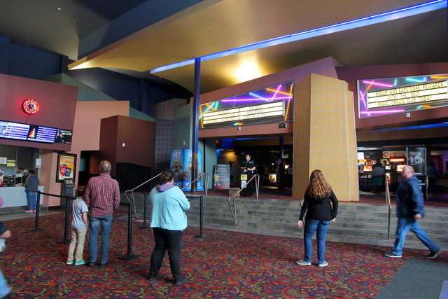 Regal Dimond Center 9 Cinemas