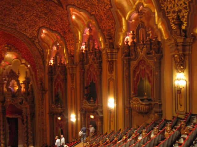 Ohio theatre (Columbus) - Auditorium sidewalls from balcony