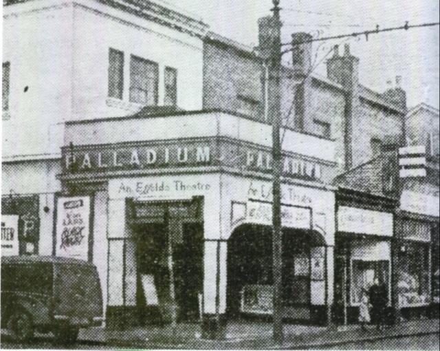 "The Essoldo Palladium in 1954, showing Alan Ladd in ""The Black Knight""."